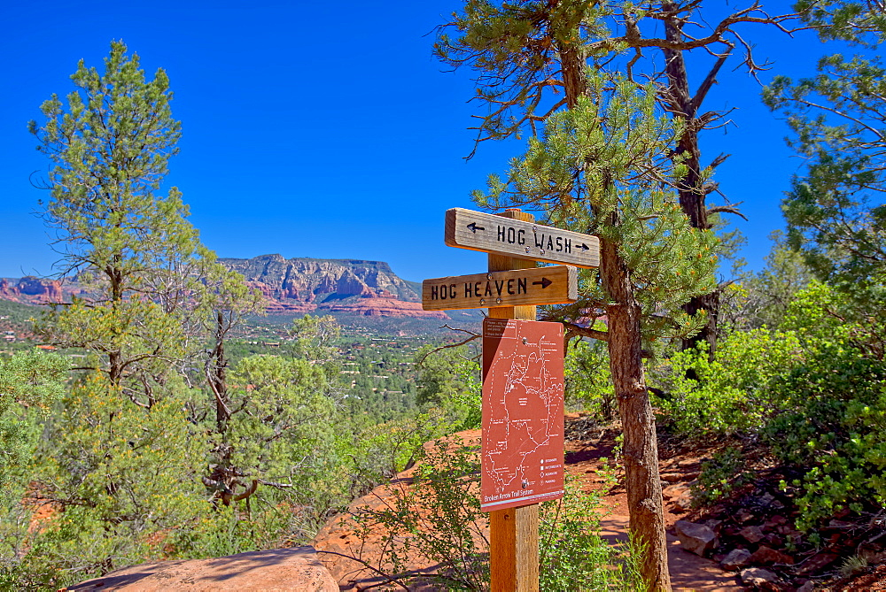 Hog Wash (Hog Heaven), the intersection of two trails on the Northwest side of the Twin Buttes in Sedona, Arizona, United States of America, North America - 1311-106