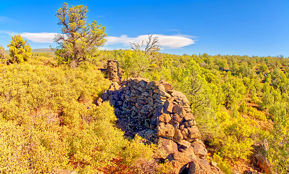 The crumbling walls of ancient Indian Ruins along the south rim of Rattlesnake Canyon near the historic Chavez Trail Arizona. - 1311-268
