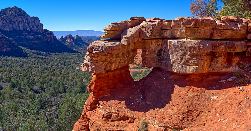 Close up of the Merry Go Round Arch east of Mitten Ridge in Sedona, Arizona, United States of America, North America - 1311-82