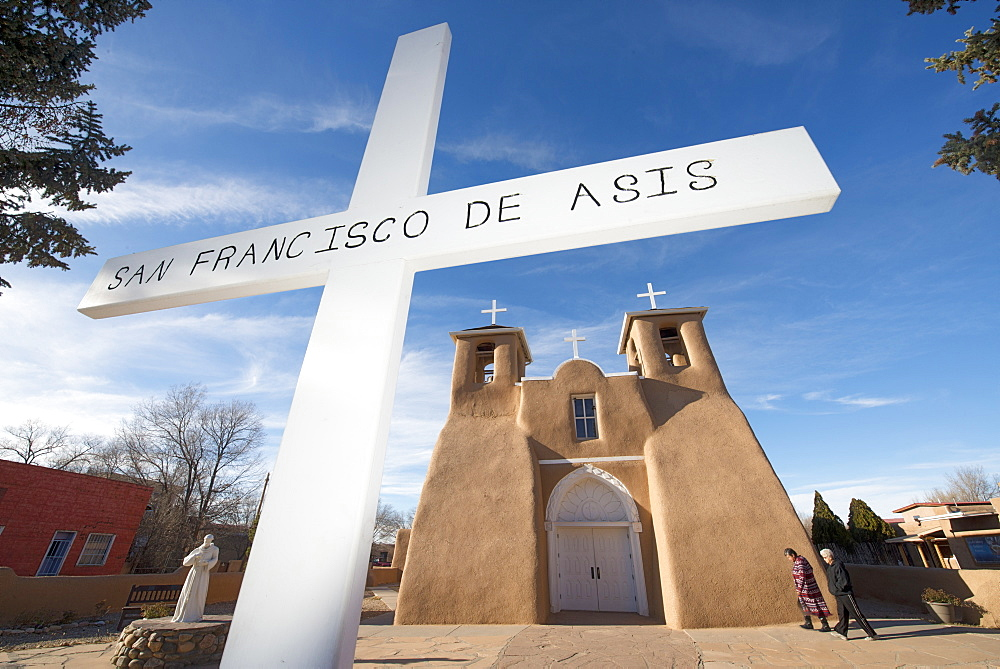The historic adobe San Francisco de Asis church in Taos, New Mexico, United States of America, North America - 1315-139