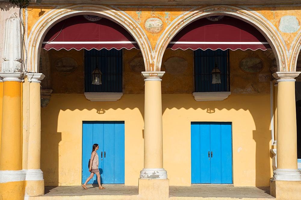Plaza Vieja, Old Havana, Havana Cuba. Model released