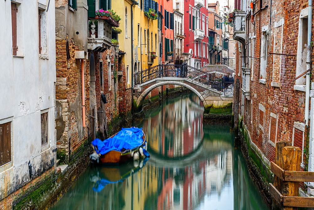 Canal in Venice, UNESCO World Heritage Site, Veneto, Italy, Europe