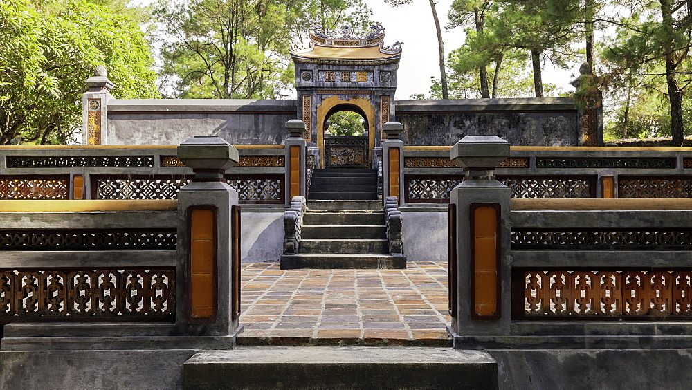 Tomb of Empress Le Thien Anh in Emperor Tu Duc's Royal tomb, Hue, Vietnam, Indochina, Southeast Asia, Asia - 1317-3