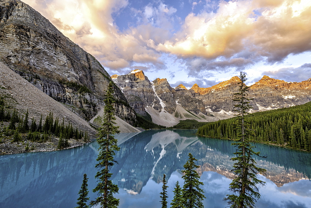 Sunrise at Lake Moraine, Banff National Park. Alberta - 1320-31