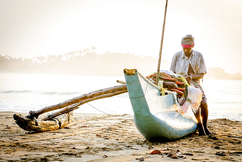 Fisherman on Talalla Beach, Sri Lanka, Asia - 1331-11