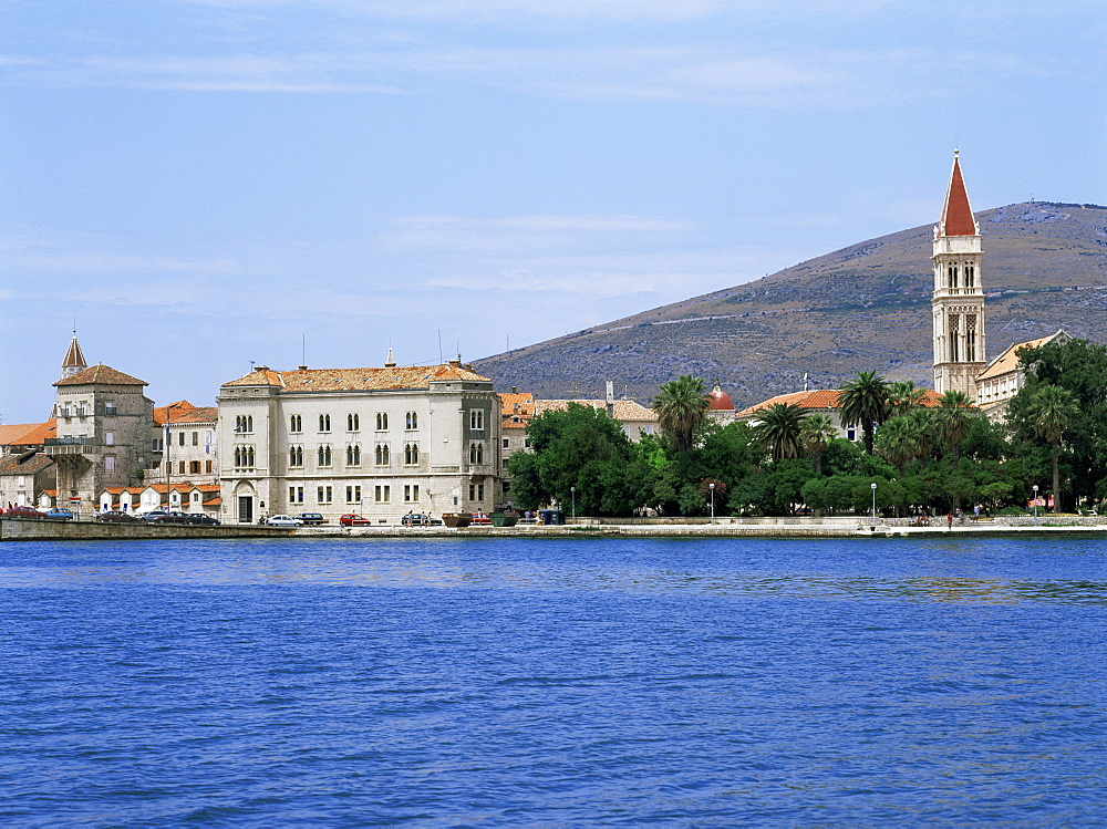 Waterfront with St. Lawrence's cathedral, Trogir, Central Dalmatia region, Croatia, Europe