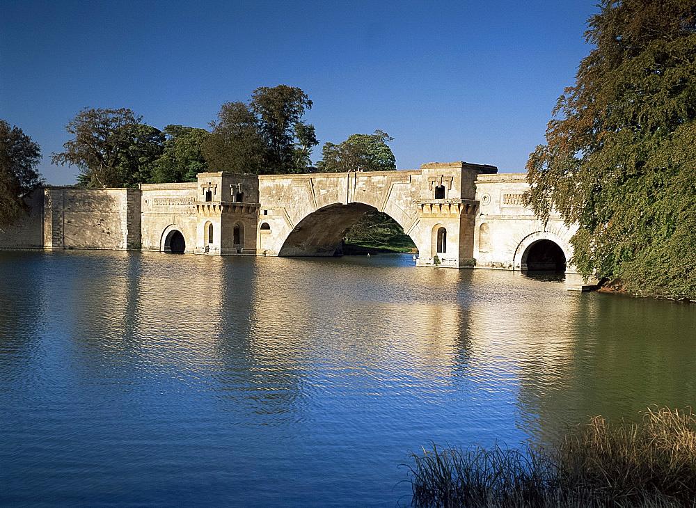 The Grand Bridge, Blenheim Palace, Oxfordshire, England, United Kingdom, Europe