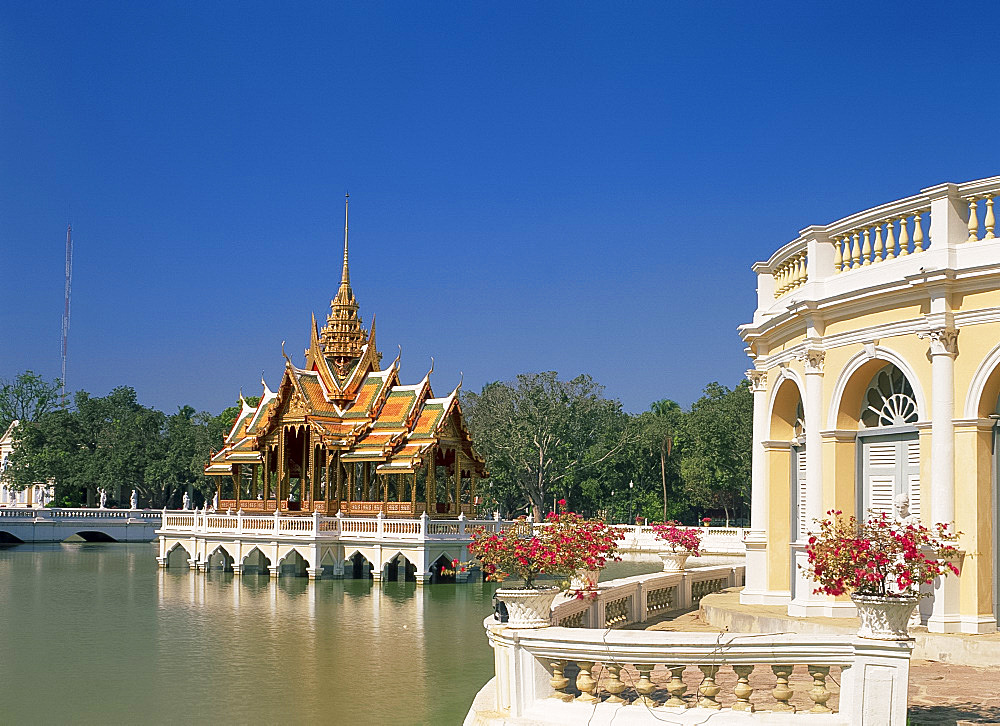 The Phra Thinang Aiswan Thipha-at pavilion at the summer palace at Bang Pa-in, Thailand, Southeast Asia, Asia