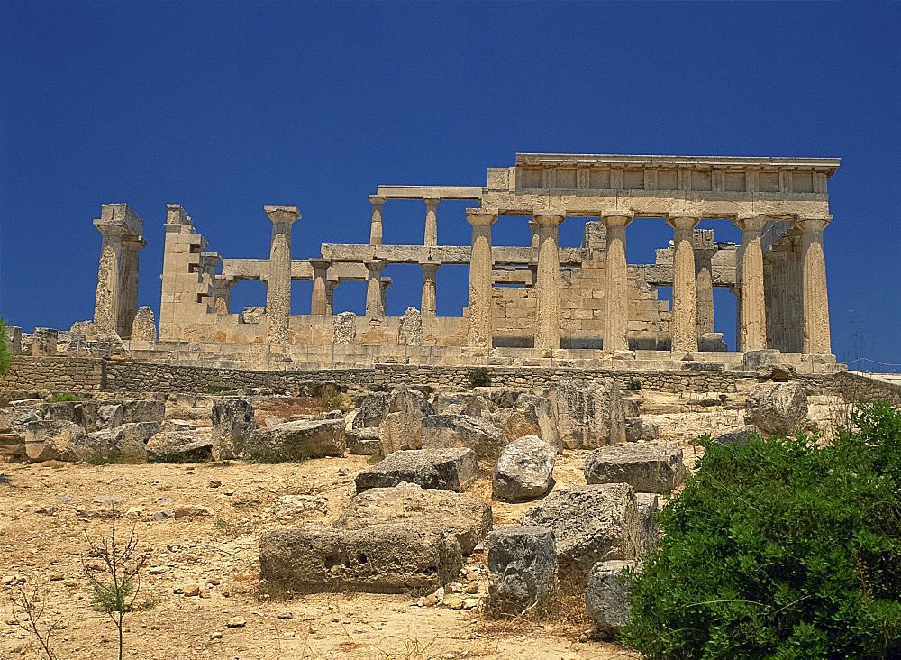 Temple of Aphaia, on Aegina, Argo Saronic Islands, Greek Islands, Greece, Europe