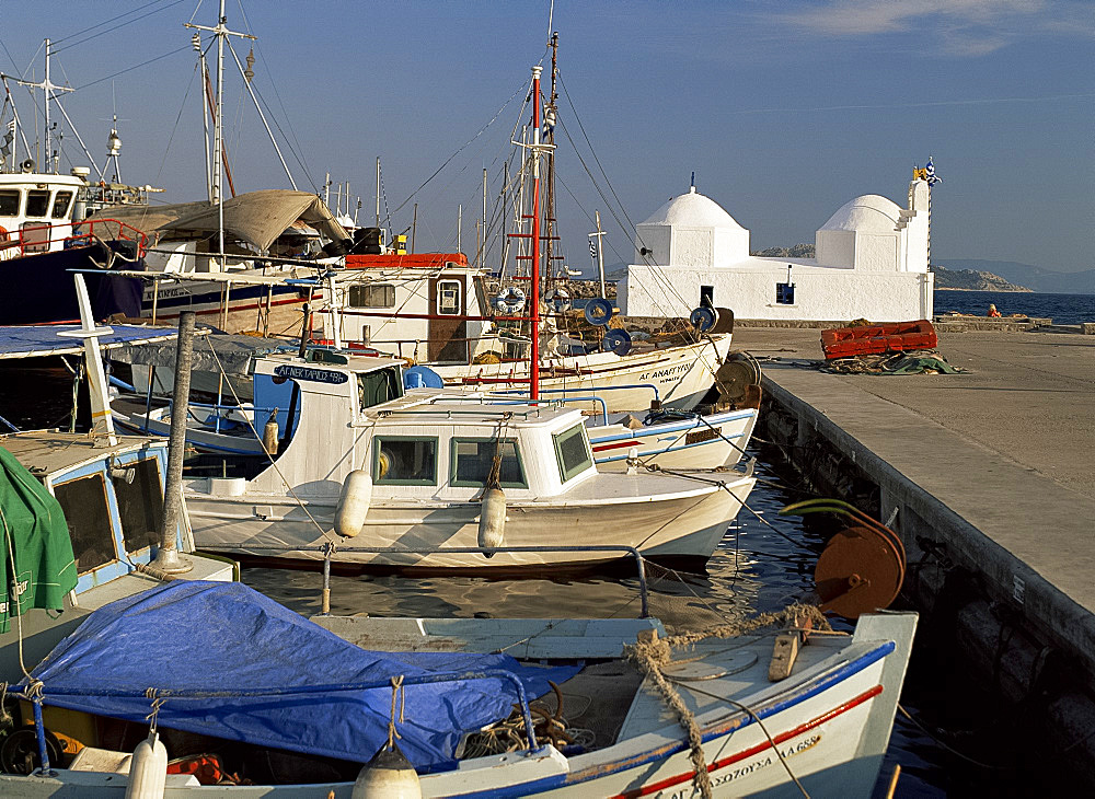 Harbour and church, Aegina Town, Aegina, Argo Saronic islands, Greek Islands, Greece, Europe