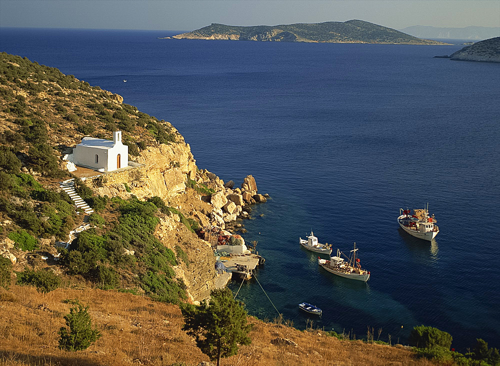 Seaside chapel, Platys Gialos, Sifnos, Cyclades, Greek Islands, Greece, Europe