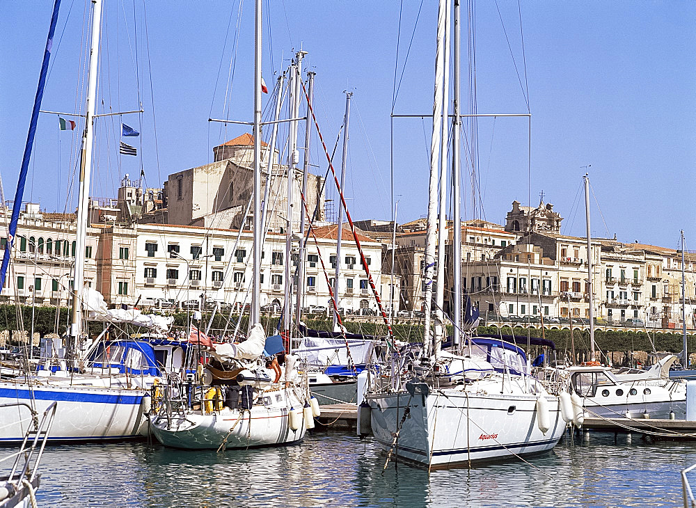 Yachts in the harbour, Syracuse, Sicily, Italy, Mediterranean, Europe