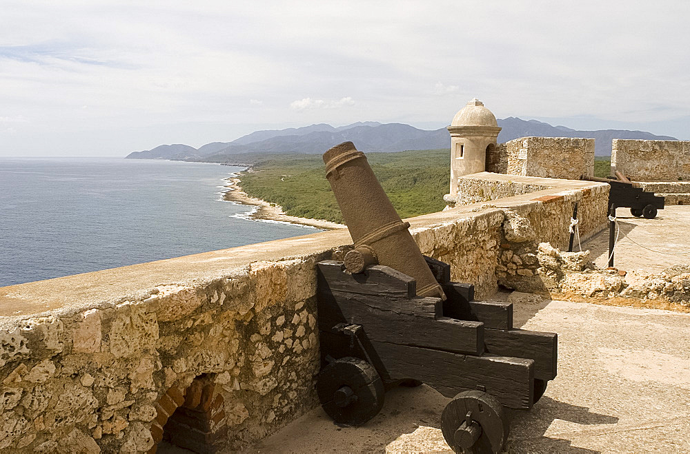 Cuban coastline and the Castillo del Morro, a fortess at the entrance to the Bay of Santiago, UNESCO World Heritage Site, 10 km southwest of Santiago de Cuba, Cuba, West Indies, Central America