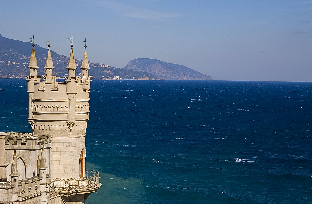 The Swallow's Nest Castle perched on a cliff above the Black Sea, Yalta, Crimea, Ukraine, Europe