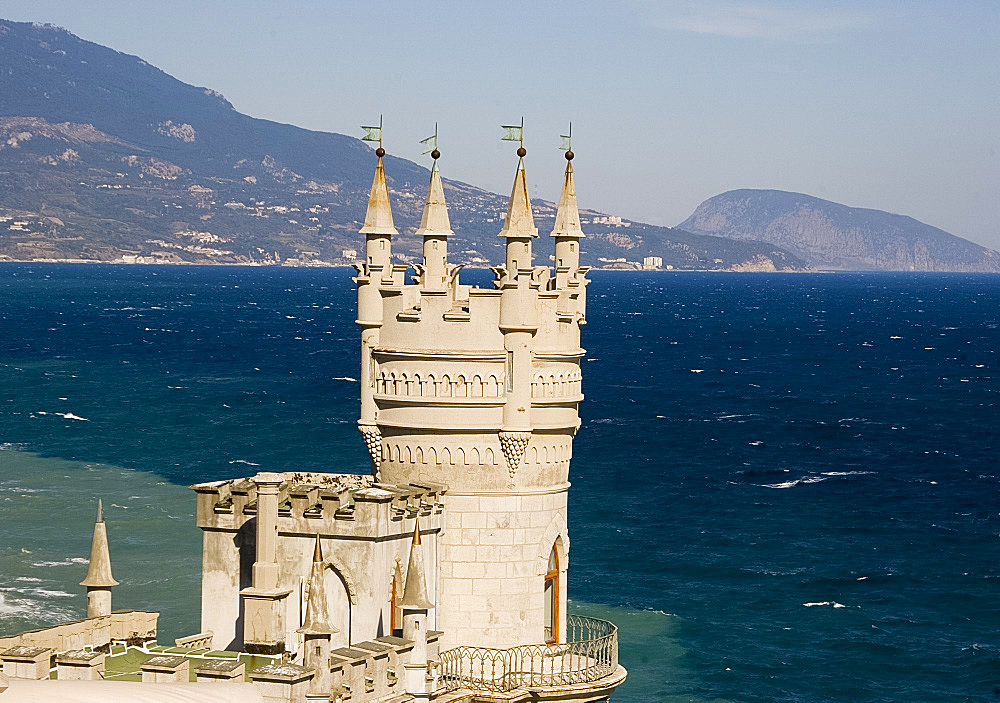 The Swallow's Nest Castle perched on a cliff over the Black Sea, Yalta, Crimea, Ukraine, Europe