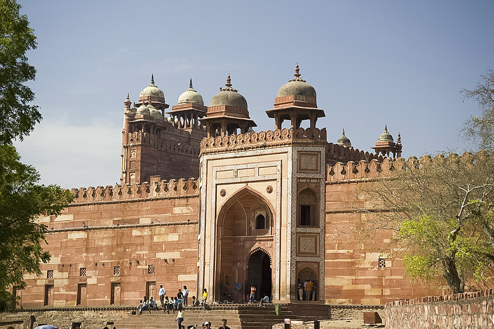 The entrance to the Mosque (Jami Masjid) at the walled city of Fatehpur Sikri, UNESCO World Heritage Site, Uttar Pradesh, India, Asia