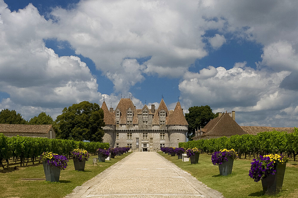 Chateau de Monbazillac, a winery near Bergerac, Dordogne, France, Europe