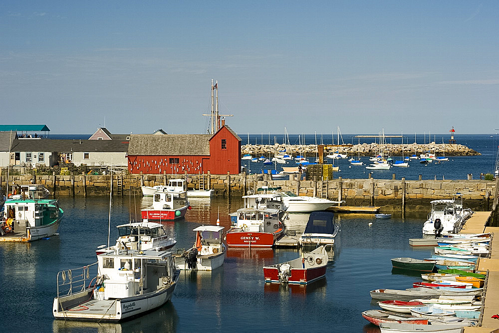 A view of Rockport Harbour and the red building know as Motif Number One, Rockport, Massachussetts, New England, United States of America, North America