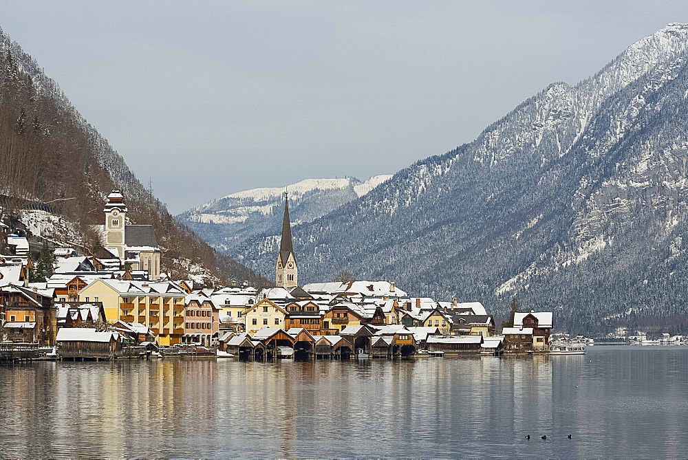 The town of Hallstatt, UNESCO World Heritage Site, on Halstatter See in the Hallstatt and Dachstein region, Austria, Europe