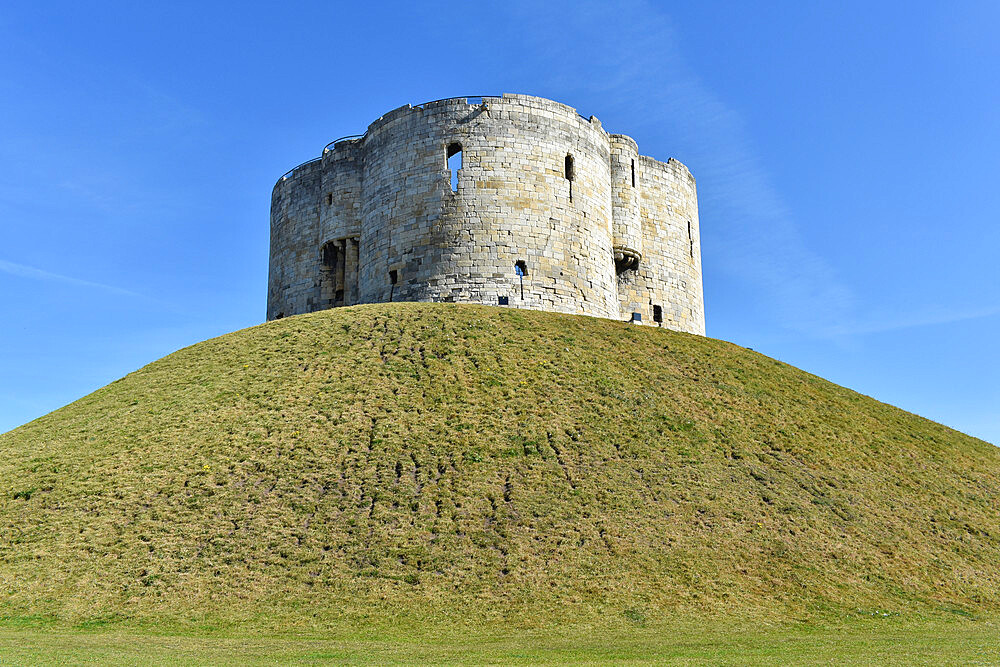 Clifford's Tower, York, Yorkshire, England, United Kingdom, Europe - 190-9828