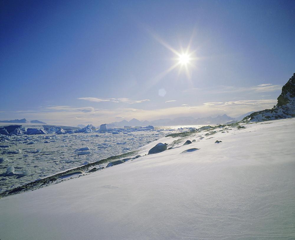 Ground drift along Antarctic Peninsula, Antarctica