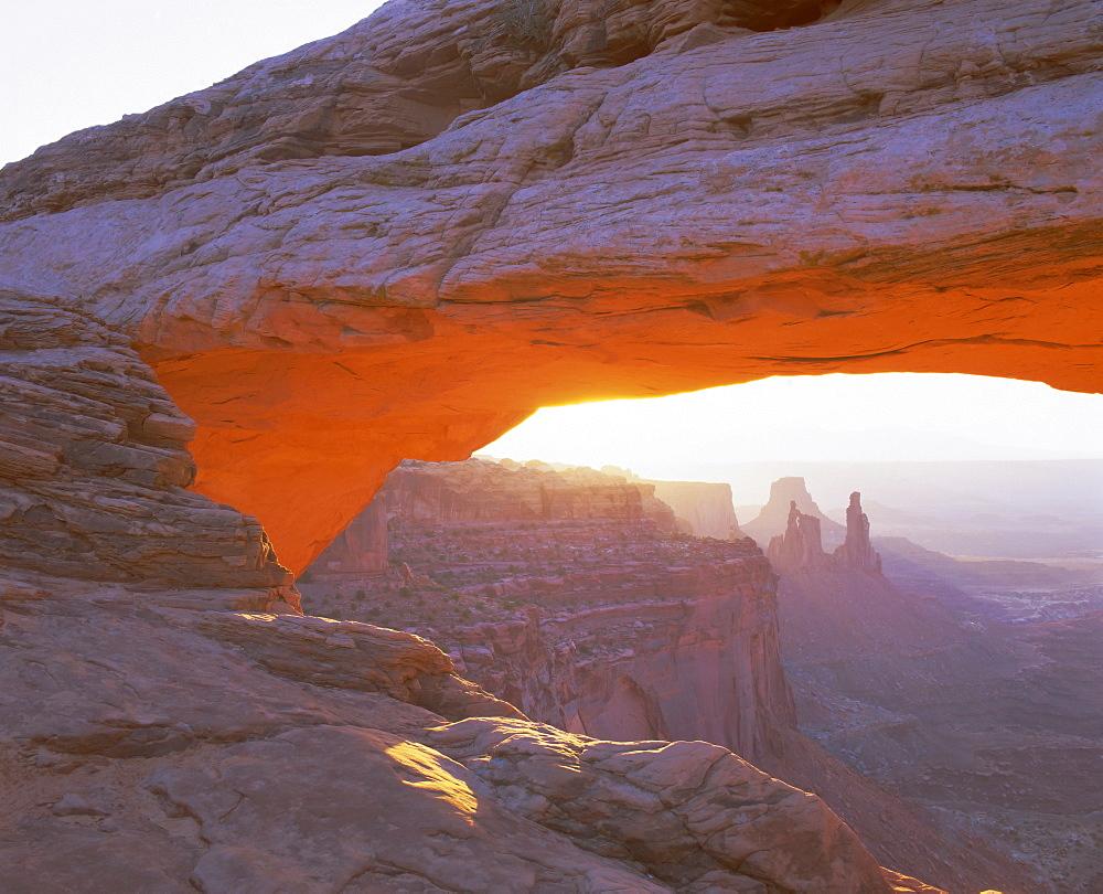 Mesa Arch at sunrise, Canyonlands National Park, Utah, USA, North America