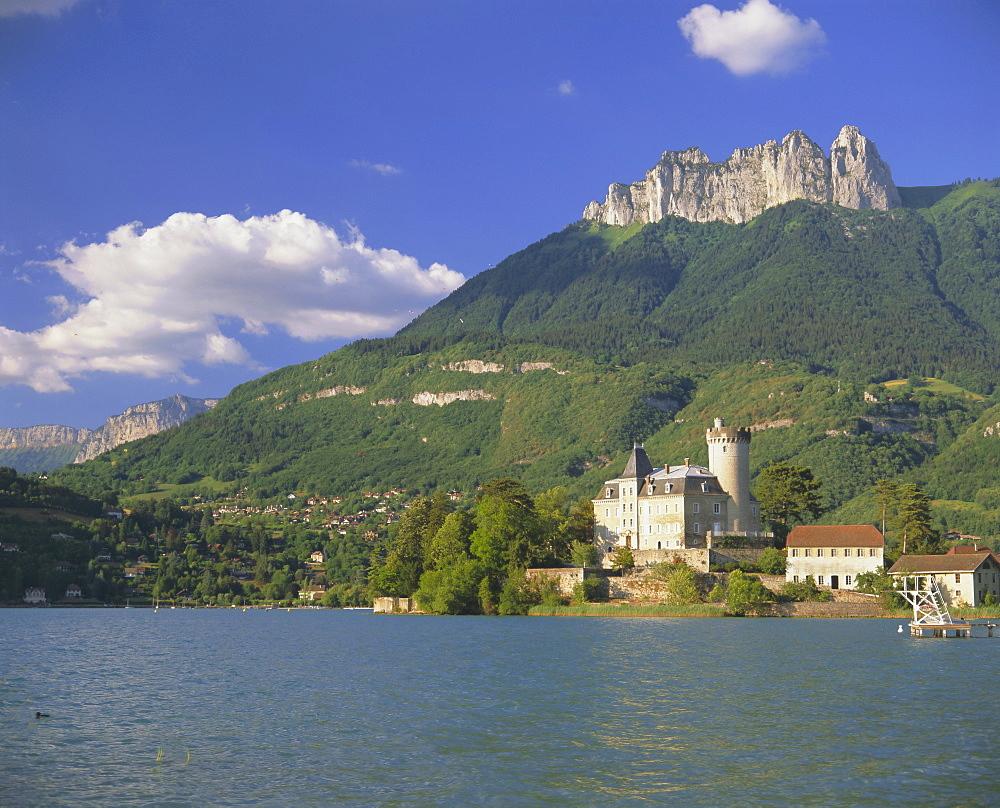 Lac d'Annecy, Haute Savoie, Rhone Alpes, France, Europe