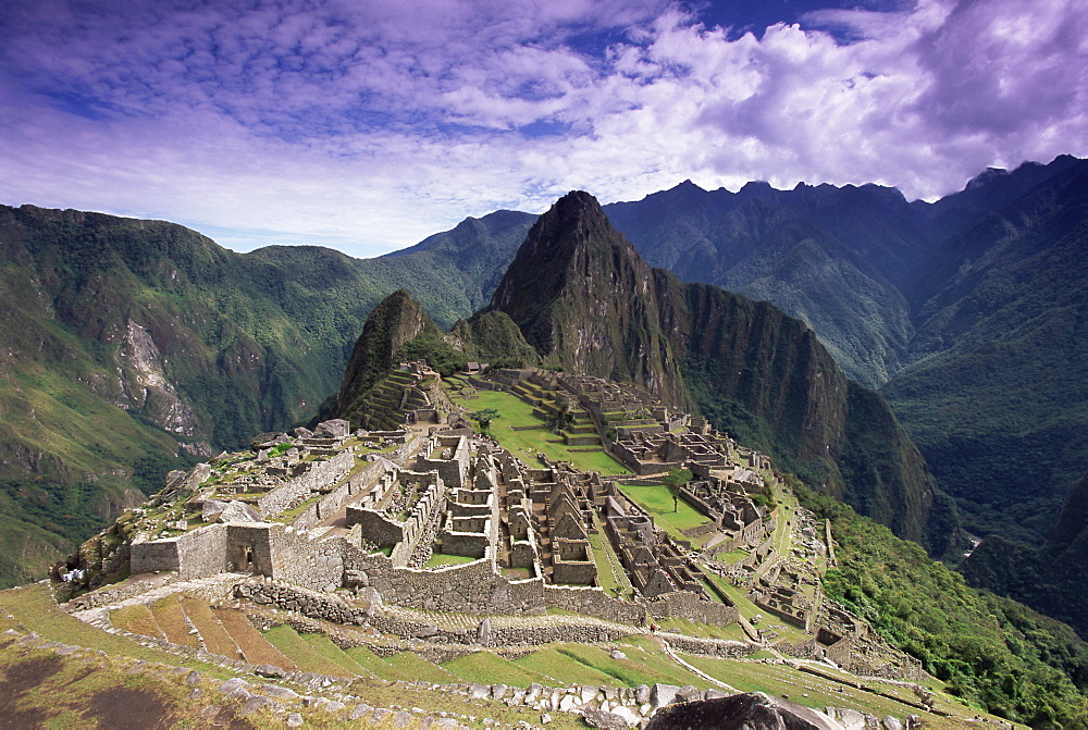 Ruins of Inca city in morning light, Machu Picchu, UNESCO World Heritage Site, Urubamba Province, Peru, South America - 252-10447