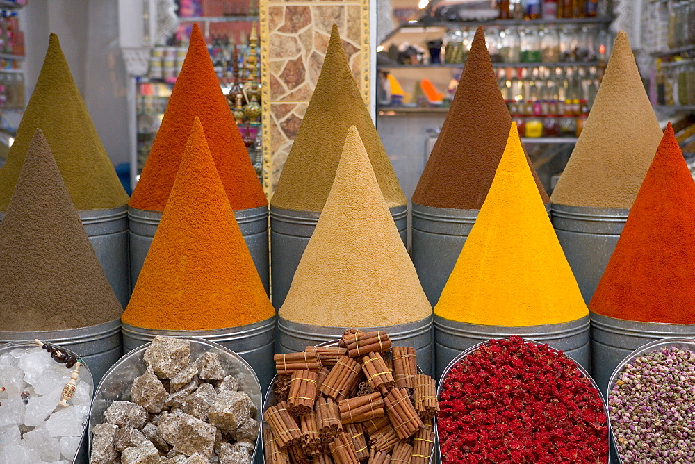 Spices for sale, Mellah district, Marrakesh (Marrakech), Morocco, North Africa, Africa