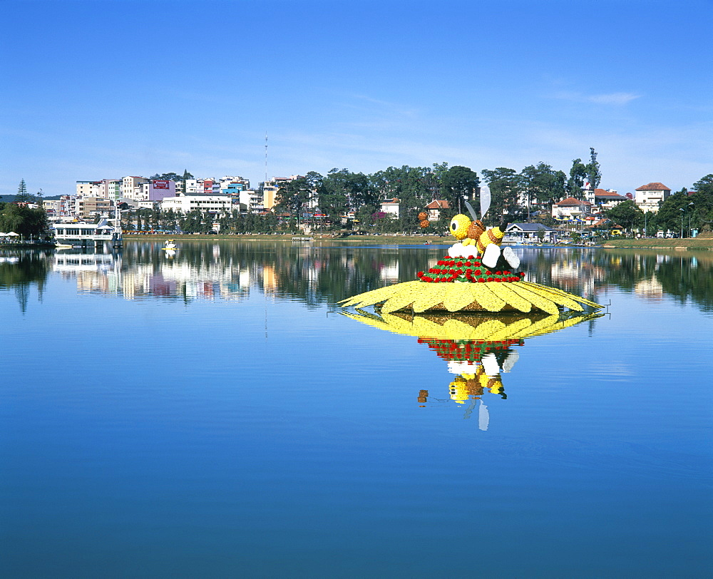Lake and flower gardens, Dalat, Central Highlands, Vietnam, Indochina, Southeast Asia, Asia