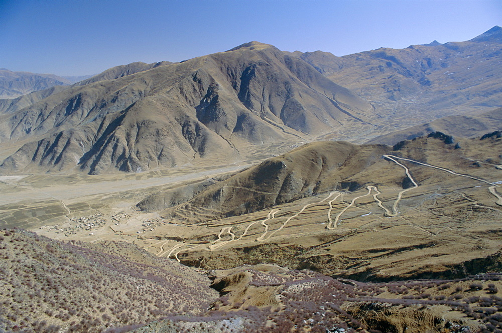 Road up to Ganden monastery, Tibet, China, Asia