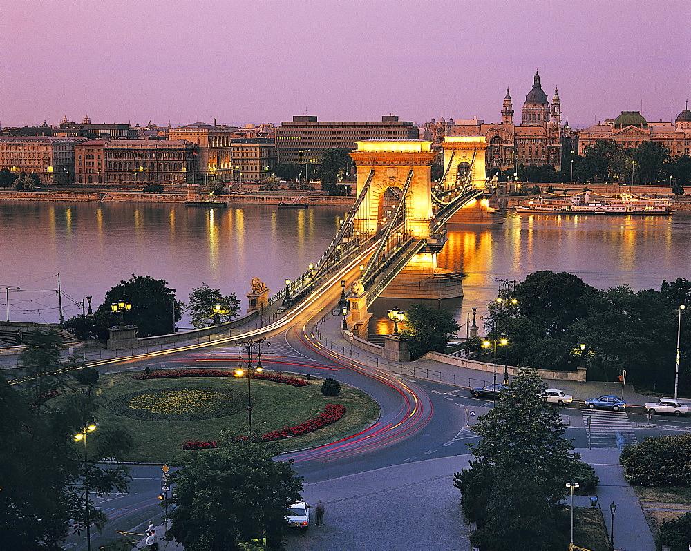Chain Bridge, Budapest, Hungary - 252-2569
