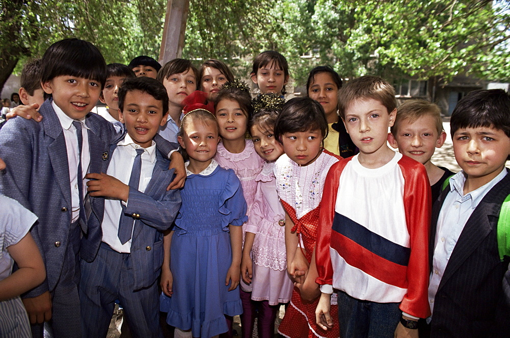 School children from various ethnic backgrounds, Samarkand, Uzbekistan, Central Asia, Asia