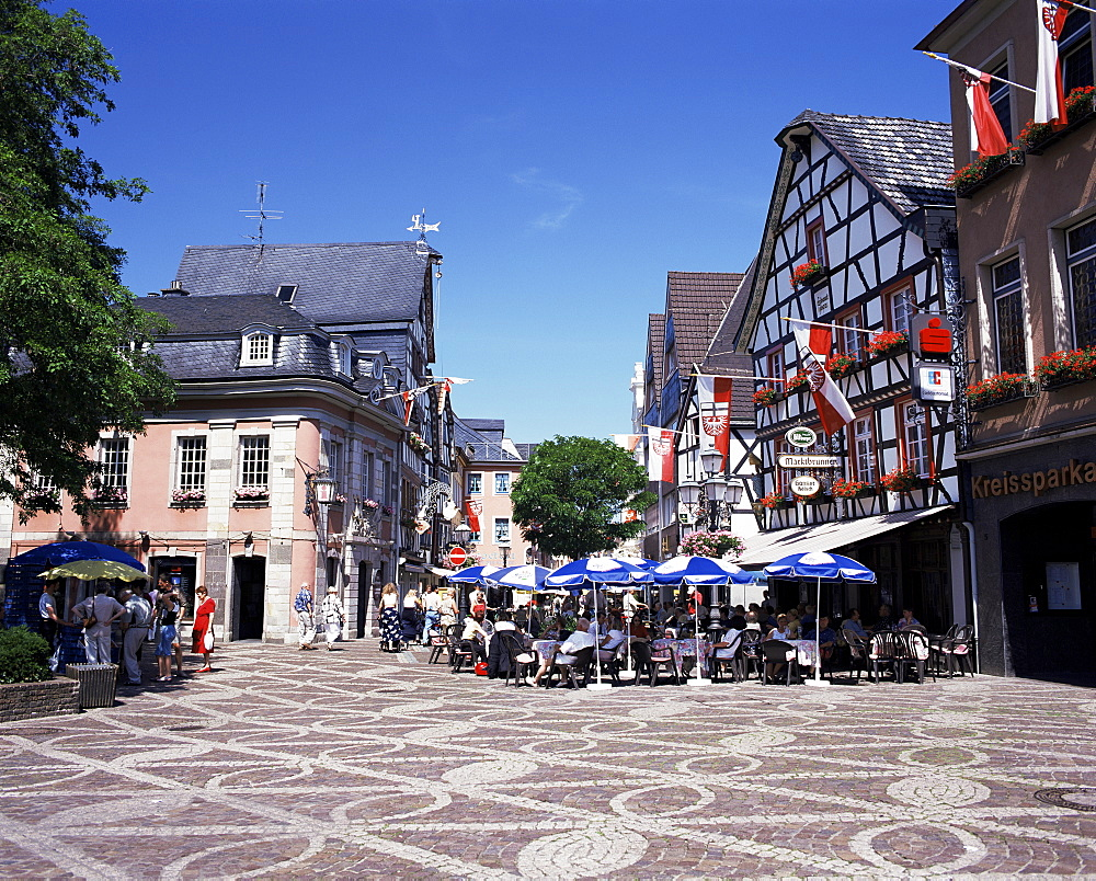 Cafes in the centre of town, Ahrweiler Town, Ahr Valley, Rhineland Palatinate, Germany, Europe - 252-7760