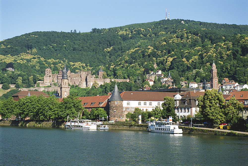 Germany, Baden-Wurttemberg, castle and town by Neckar River - 252-7803