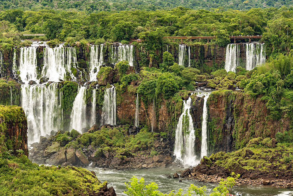Iguazu Falls, Brazil, looking across to Argentinian falls, UNESCO World Heritage Site, Brazil, South America - 29-5585