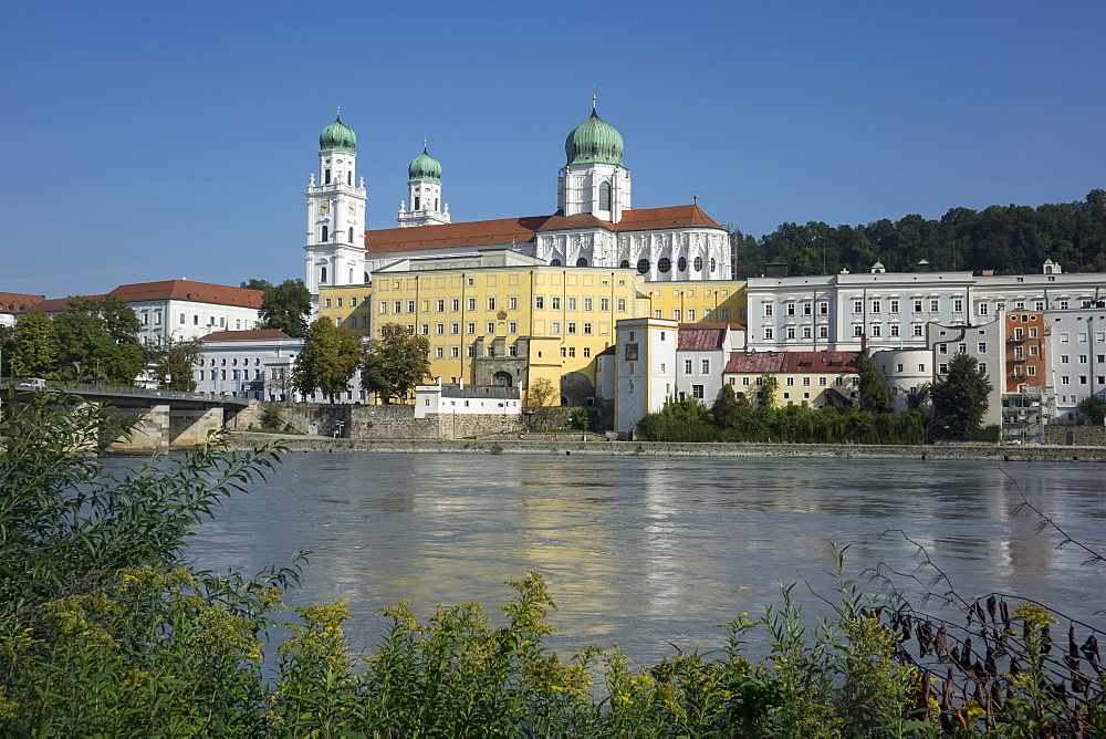 St. Stephen's Cathedral and River Inn, Passau, Lower Bavaria, Germany, Europe - 306-4436
