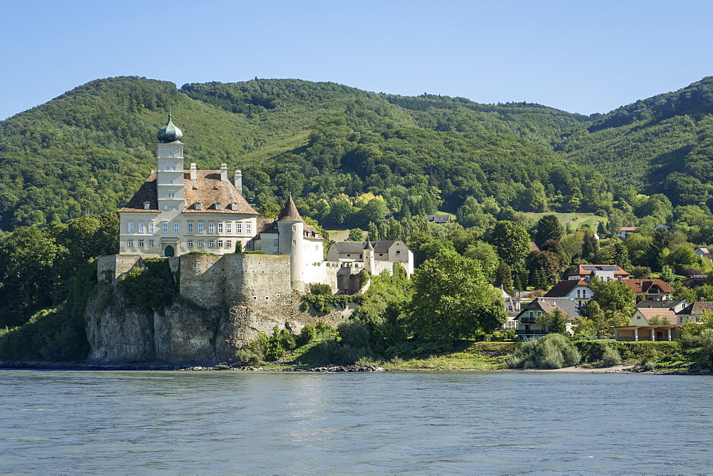 Schloss Schonbuhel and River Danube, Wachau Valley, Lower Austria, Austria, Europe - 306-4447