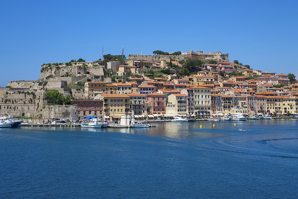 Harbour and Fortezze Medicee, Portoferraio, Elba, Tuscan Islands, Italy, Europe - 306-4464