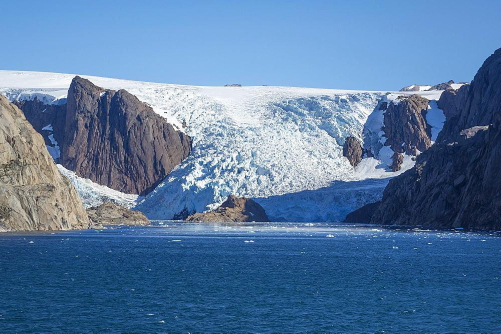 Glacier, Prince Christian Sound, southern Greenland - 306-4471