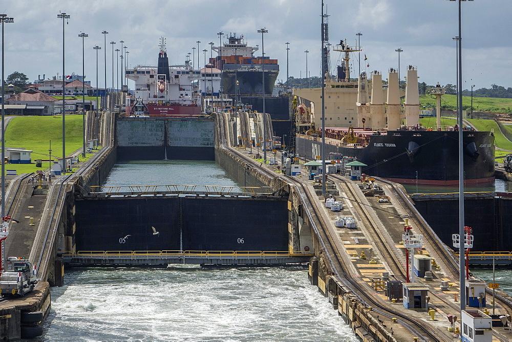 Gatun Locks, Panama Canal, Panama, Central America - 306-4475