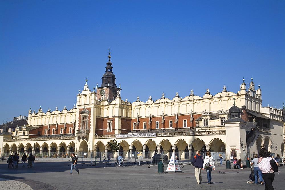 Cloth Hall, Market Square, (Rynek Glowny) Old Town, UNESCO World Heritage Site, Krakow, Poland, Europe