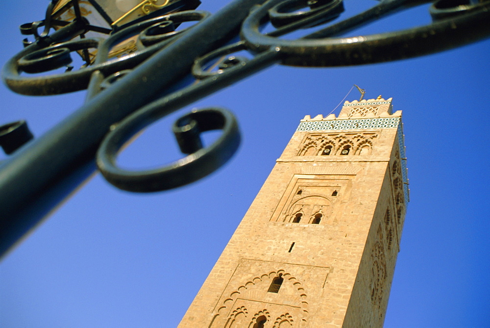 The Koutoubia Minaret, the Medina, Marrakech, Morocco, North Africa - 321-3437
