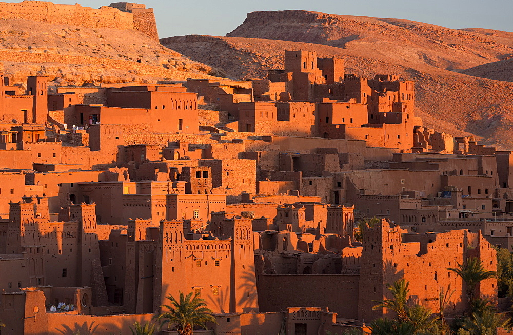 Kasbah Ait Benhaddou, an ancient fortified village (Ksar) on the old caravan route between The Sahara Desert and Marrakech, UNESCO World Heritage Site, Morocco, North Africa, Africa