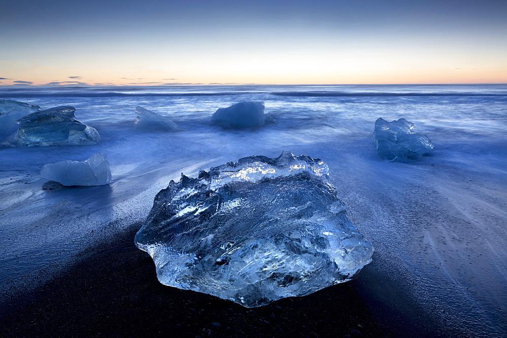 Jokulsa Beach at sunrise, on the edge of the Vatnajokull National Park, South Iceland, Iceland, Polar Regions