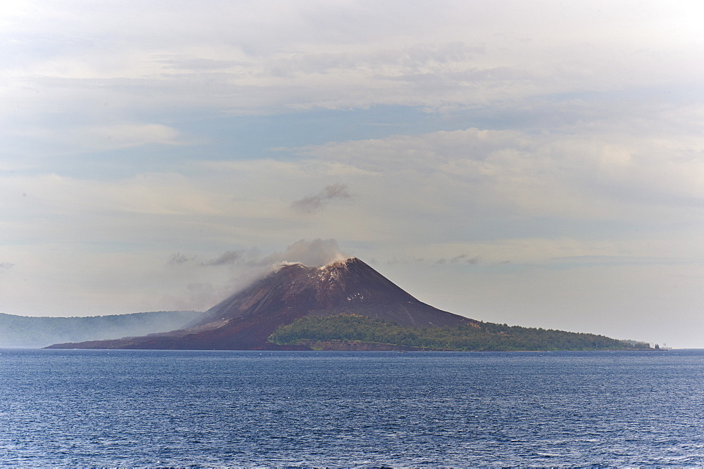 The new caldera of Krakatoa volcano, Indonesia. Scene of the largest eruption ever witnessed, it is now growing by 6m per year. - 358-586