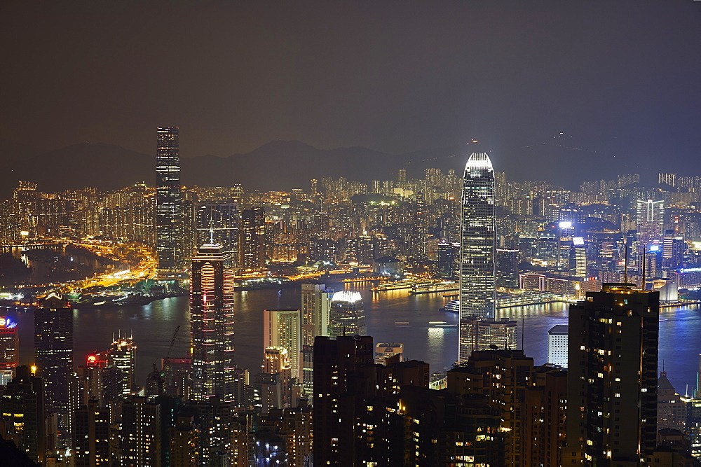 View at night of central Hong Kong and Victoria Harbour from Victoria Peak, looking toward Kowloon in background, Hong Kong, China, Asia - 358-637