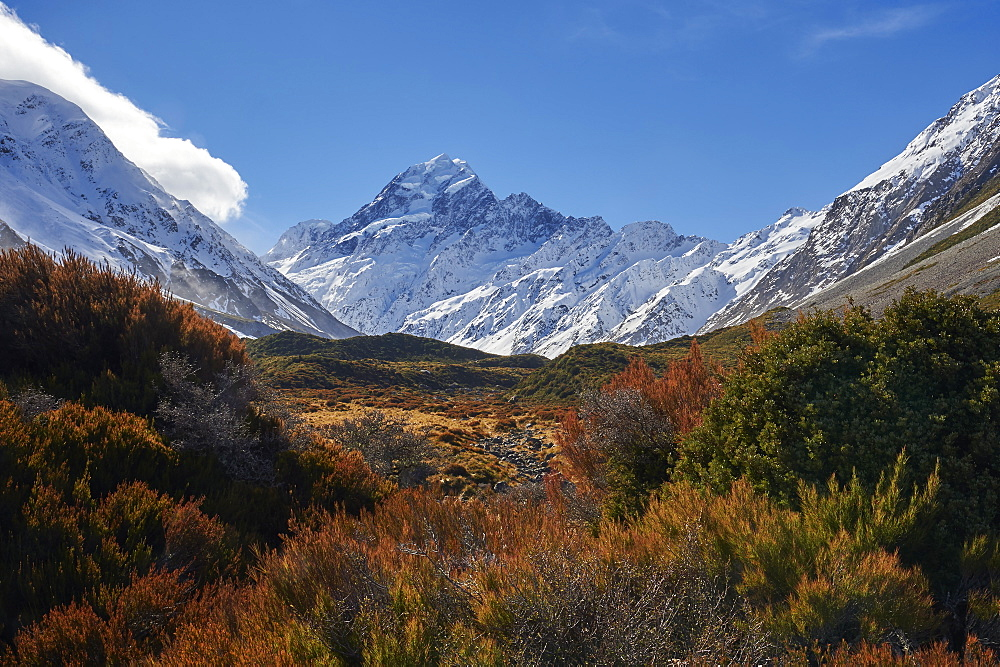 View of Mount Cook (Aoraki) from The Hooker Valley Track, Mount Cook National Park, UNESCO World Heritage Site, Southern Alps, South Island, New Zealand, Pacific - 358-693