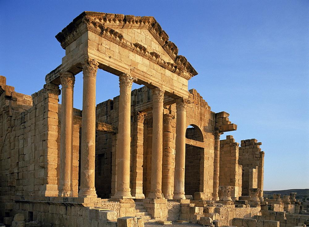 Roman ruins, Sbeitla, Tunisia, North Africa, Africa