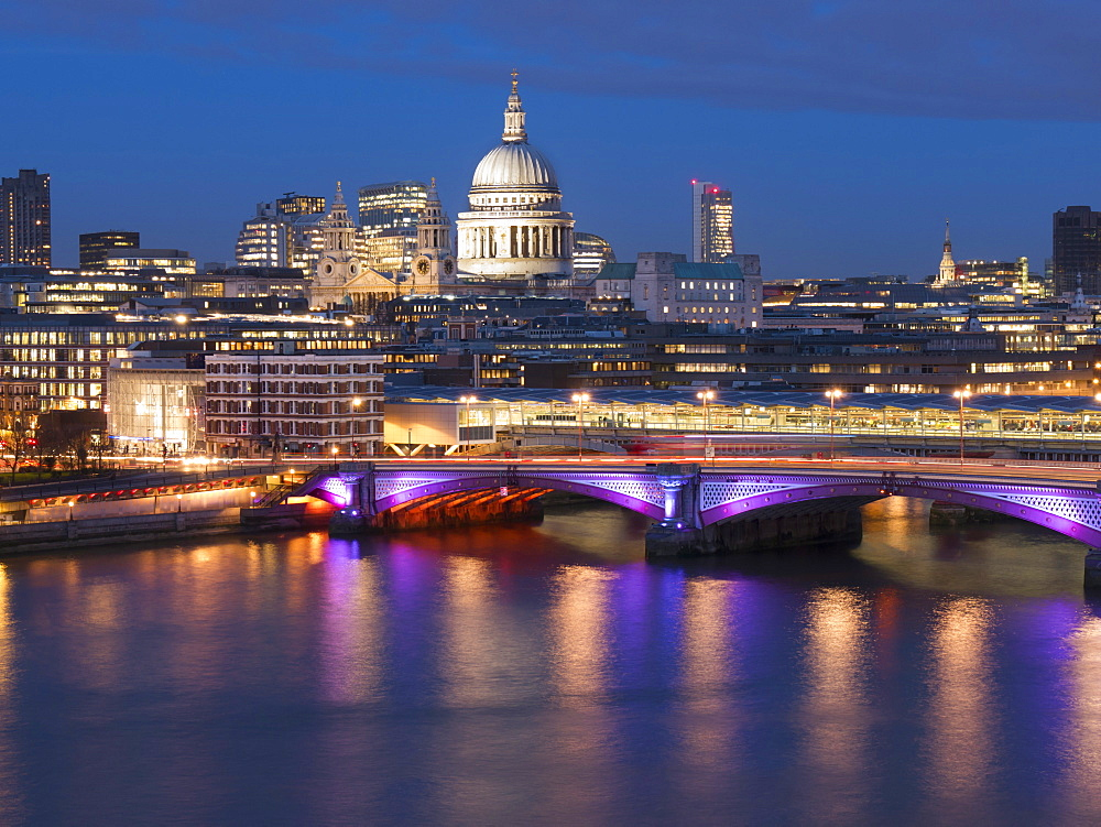St. Paul's Cathedral and Blackfriars Bridge at dusk, London, England, United Kingdom, Europe - 367-5957